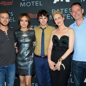 Vera Farmiga, Freddie Highmore, Max Thieriot, David McKillop, Olivia Cooke