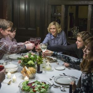 Vera Farmiga, Freddie Highmore, Kenny Johnson, Max Thieriot, Olivia Cooke