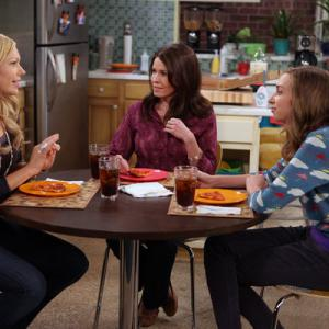 Still of Laura Prepon, Chelsea Handler and Lauren Lapkus in Are You There, Chelsea? (2012)