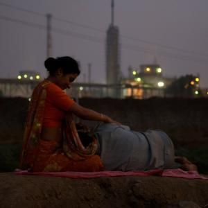 Rajpal Yadav and Tannishtha Chatterjee in Bhopal: A Prayer for Rain (2014)