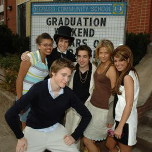 Ryan Cooley, Jake Goldsbie, Sarah Barrable-Tishauer, Jamie Johnston and Shenae Grimes-Beech at event of Degrassi: The Next Generation (2001)