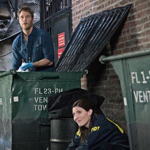Still of Jennifer Carpenter and Jake McDorman in Limitless (2015)