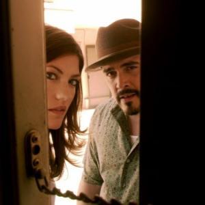 Still of David Zayas and Jennifer Carpenter in Deksteris (2006)