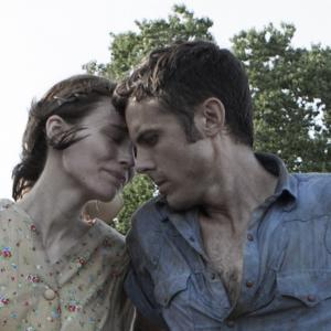 Still of Casey Affleck and Rooney Mara in Ain't Them Bodies Saints (2013)