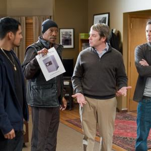 Still of Matthew Broderick, Eddie Murphy, Casey Affleck and Michael Peña in Dangoraizio apiplesimas (2011)