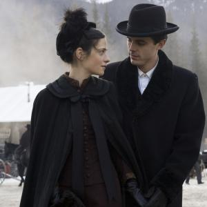 Still of Casey Affleck and Zooey Deschanel in The Assassination of Jesse James by the Coward Robert Ford (2007)