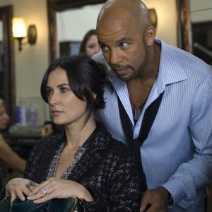 Still of Demi Moore and Chris Williams in The Joneses (2009)