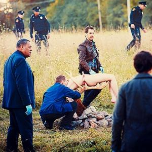 Laurence Fishburne (Jack Crawford), Aaron Abrams (Brian Zeller) in Hannibal.