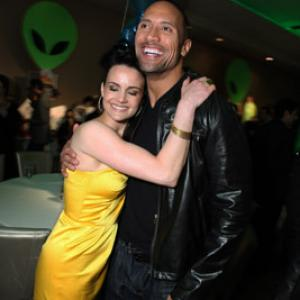 Carla Gugino and Dwayne Johnson at event of Race to Witch Mountain 2009
