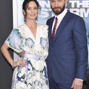 Richard Armitage and Sarah Wayne Callies at event of Into the Storm (2014)
