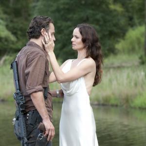 Still of Andrew Lincoln and Sarah Wayne Callies in Vaiksciojantys negyveliai: Home (2013)