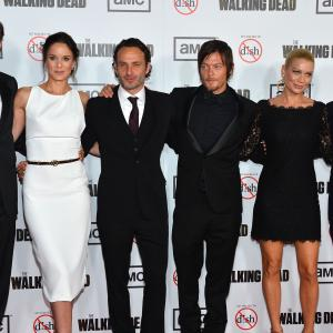 Norman Reedus, Laurie Holden, Andrew Lincoln, David Morrissey, Sarah Wayne Callies and Steven Yeun at event of Vaiksciojantys negyveliai (2010)