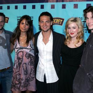 Jordana Brewster, Ashley Johnson, David Moscow, Gregory Smith and Logan Bartholomew at event of Nearing Grace (2005)