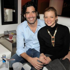 Amy Smart, Carter Oosterhouse