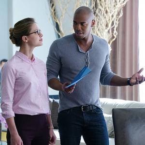 Still of Mehcad Brooks and Melissa Benoist in Supergirl (2015)