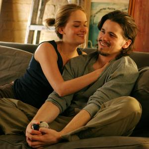 Still of Jason Ritter and Jess Weixler in Peter and Vandy 2009