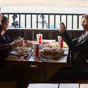 Still of Elizabeth Banks and Chris Pine in People Like Us 2012