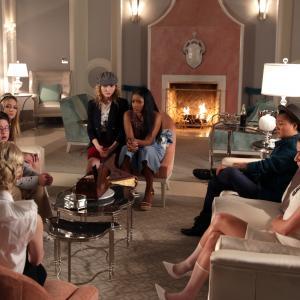 Still of Lea Michele, Emma Roberts, Skyler Samuels, Keke Palmer, Breezy Eslin, Billie Lourd and Jeanna Han in Scream Queens (2015)