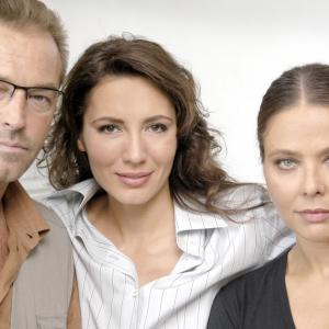 Michelle Bonev with Sebastiano Somma and Ornella Muti in La bambina dalle mani sporche