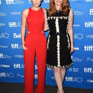 Kate Mara and Jessica Chastain at event of Marsietis (2015)