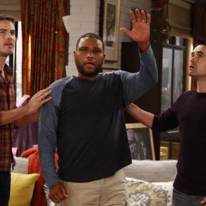 Still of Anthony Anderson, Jesse Bradford and Zach Cregger in Guys with Kids (2012)