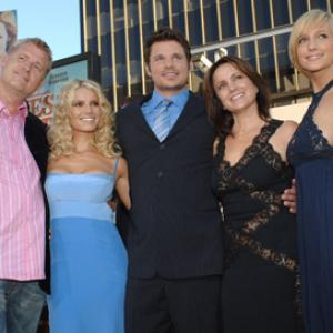Nick Lachey, Jessica Simpson, Ashlee Simpson, Joe Simpson, Tina Simpson