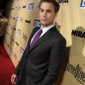 Dustin Milligan at event of Extract (2009)