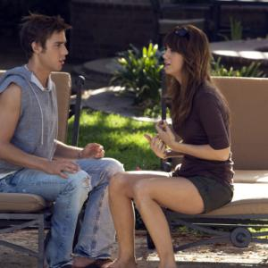 Still of Kristen Wiig and Dustin Milligan in Extract (2009)