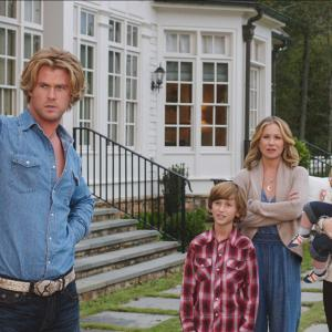 Christina Applegate, Leslie Mann, Chris Hemsworth, Skyler Gisondo, Steele Stebbins