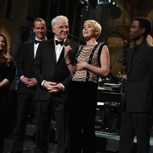 Tom Hanks, Steve Martin, Chris Rock, Melissa McCarthy, Miley Cyrus and Peyton Manning at event of Saturday Night Live: 40th Anniversary Special (2015)