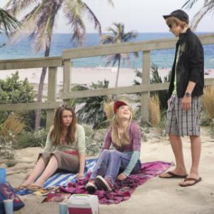 Still of Cody Linley, Emily Osment and Miley Cyrus in Hannah Montana (2006)