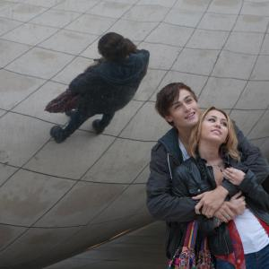 Still of Miley Cyrus and Douglas Booth in L.O.L. (2012)