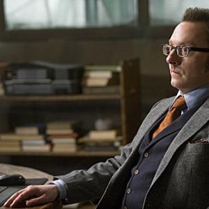 Still of Michael Emerson in Person of Interest: Many Happy Returns (2012)