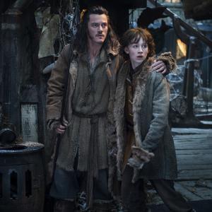 Still of Luke Evans and John Bell in Hobitas: Smogo dykyne (2013)