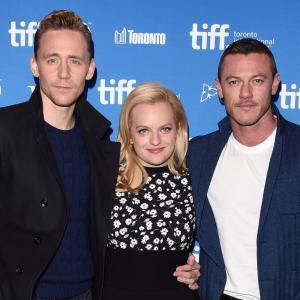 Elisabeth Moss, Tom Hiddleston and Luke Evans at event of High-Rise (2015)