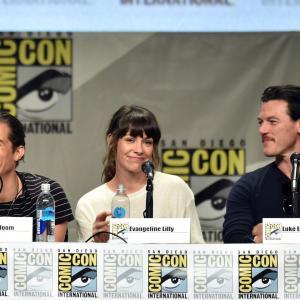 Orlando Bloom, Evangeline Lilly and Luke Evans at event of Hobitas: Penkiu armiju musis (2014)