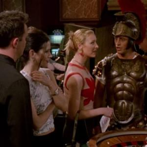 Still of Courteney Cox, Lisa Kudrow and Matt LeBlanc in Draugai (1994)
