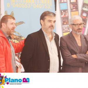 With actor Eduardo Velasco (right) at the presentation of