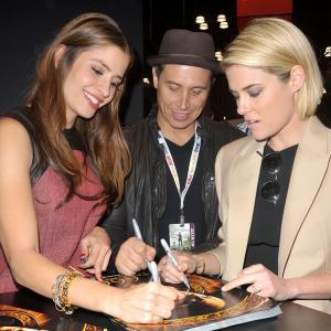Erik Palladino, Rachael Taylor and Mercedes Mason at event of 666 Park Avenue (2012)
