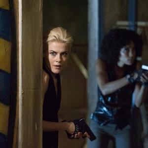 Still of Rachael Taylor and Annie Ilonzeh in Charlie's Angels (2011)