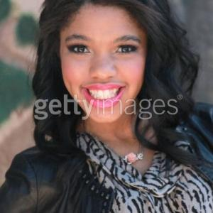 TEALA DUNN AT THE PUSS IN BOOTS PREMIER OCTOBER 2011