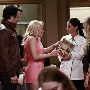 Still of Emily Osment, Ashley Tisdale, Jonathan Sadowski and Jessica Lowndes in Young & Hungry (2014)