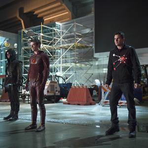 Stephen Amell, Robbie Amell, Grant Gustin