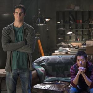 Still of Aaron Yoo and Robbie Amell in The Tomorrow People 2013