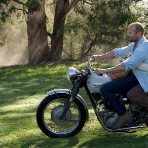 Still of Jason Statham and Yvonne Strahovski in Profesionalai 2011