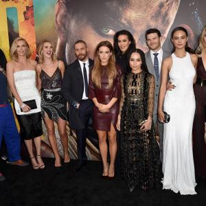 Hugh Keays-Byrne, Megan Gale, Tom Hardy, Nathan Jones, Riley Keough, Zoë Kravitz, Rosie Huntington-Whiteley, Josh Helman, Abbey Lee, Courtney Eaton
