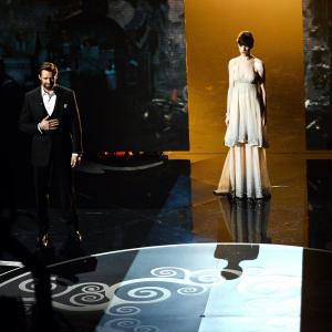Anne Hathaway and Hugh Jackman at event of The Oscars 2013