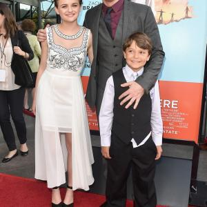 Zach Braff Joey King and Pierce Gagnon at event of Wish I Was Here 2014