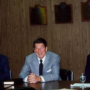 Ronald Reagan, George Shultz, Alan Greenspan
