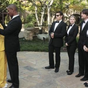 Still of Elisha Cuthbert Zachary Knighton Damon Wayans Jr Casey Wilson and Eliza Coupe in Happy Endings 2011